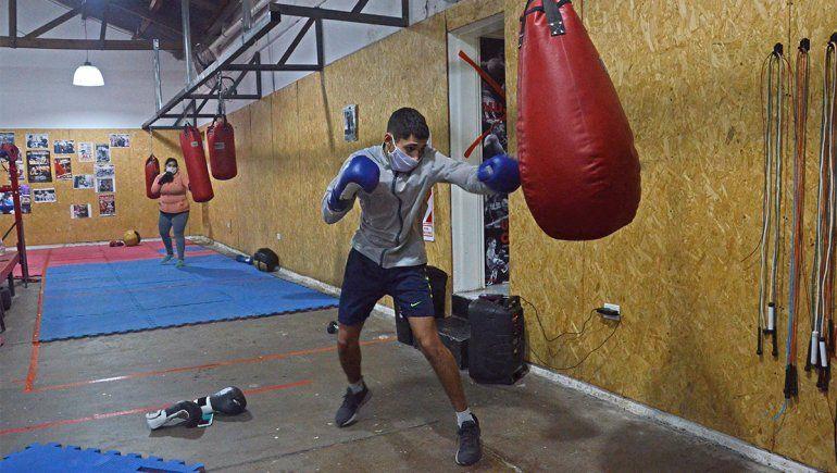 Golazo: el deporte recupera más días de permiso en Neuquén