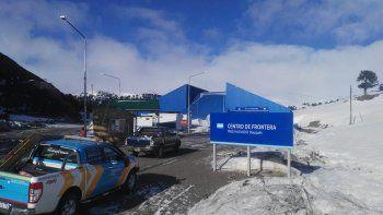 Migraciones: los pasos fronterizos terrestres seguirán cerrados