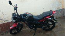 robaron la moto de una barrendera que trabajaba en el rally
