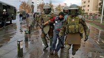 chile: 63 detenidos en manifestaciones contra pinera