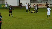 video: criminal patada de un futbolista a un arbitro en el ascenso de brasil