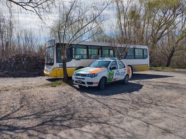 Cinco Saltos: el chofer de un transporte escolar manejaba alcoholizado