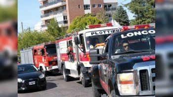 bomberos advierten que acamparan frente a casa de gobierno