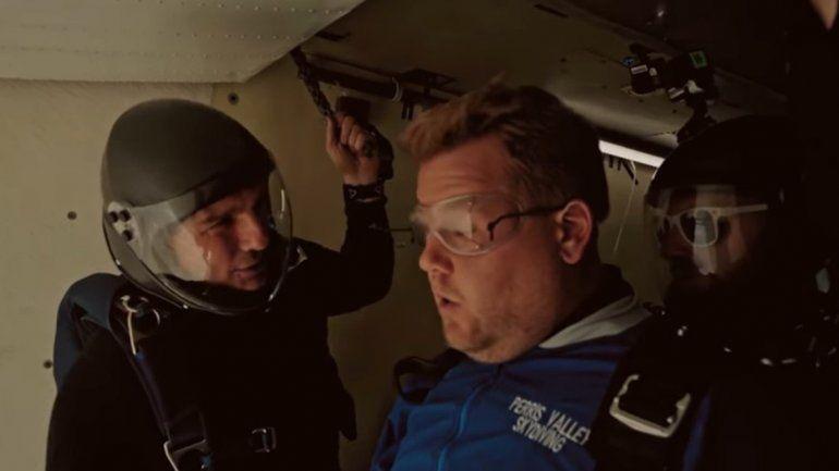 Tom Cruise desafió a James Corden a tirarse de un avión y el video se volvió viral