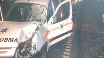 Una ambulancia que viajaba desde Plaza Huincul chocó un caballo