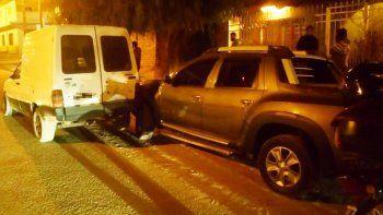 Borracho y sin papeles chocó una camioneta estacionada