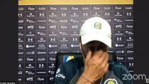 La angustia del Kily González en la conferencia de prensa.