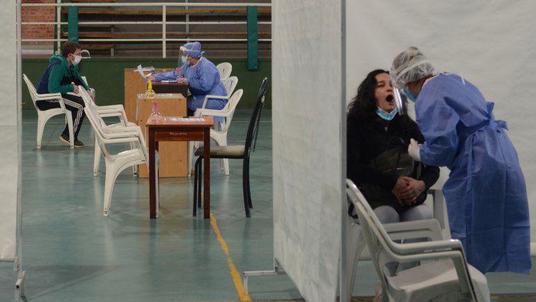 COVID: cuatro muertes y 247 nuevos casos en Neuquén