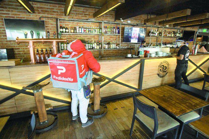 Las salidas de compras por DNI desalentaron la modalidad take away. Por esa razón, los restaurantes apuestan al servicio de delivery.