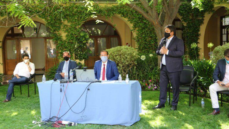 Gaido firmó convenios con Nación para extender el Paseo Costero