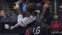 El momento de la agresión entre los jugadores de la NBA en Canadá.