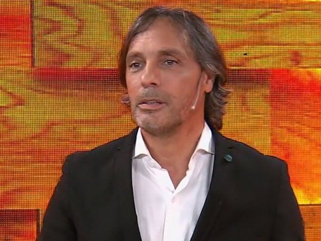 Gustavo López se indignó.