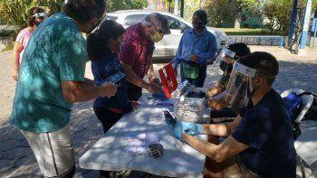 entregan lentes gratis para ver el eclipse solar