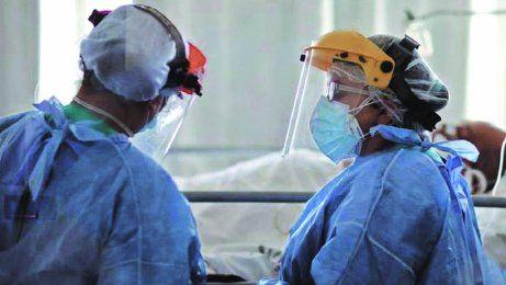 Actualmente hay 4.219 internados en unidades de terapia intensiva.
