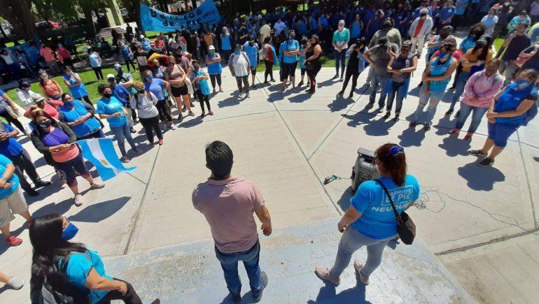 UPCN y Barrios de Pie llevaron sus reclamos a Casa de Gobierno