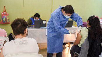 Mañana llegan a Neuquén 18.900 dosis de la vacuna AstraZeneca