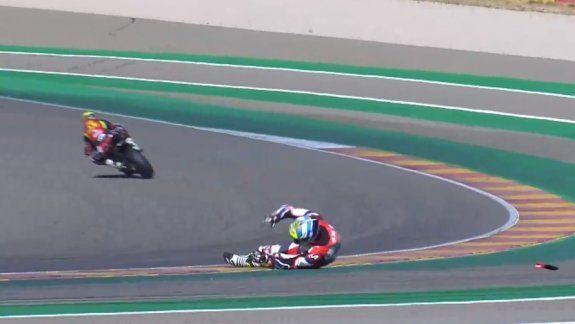Leandro Mercado sufrió un accidente en la carrera sprint del Mundial de Superbike en Aragón y padece un esguince en el tobillo izquierdo y una distensión cervical.