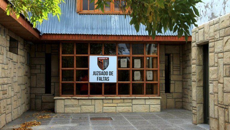 Investigan a jueza de Faltas por cobros ilegales de multas