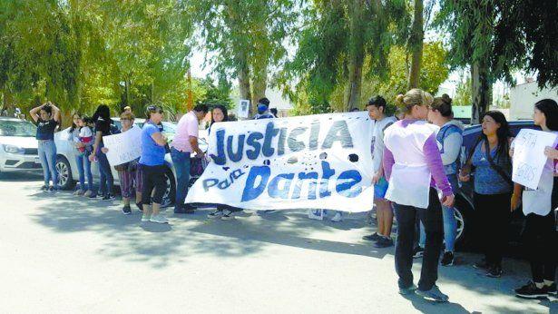 La familia Biazetti quiere que la cabo Hernández sea condenada por el crimen.