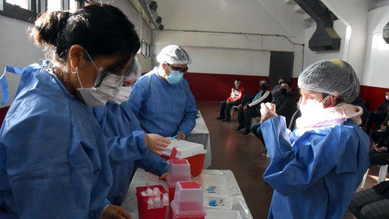 Cómo se piensa la vacunación contra el COVID a menores de 18 en Neuquén