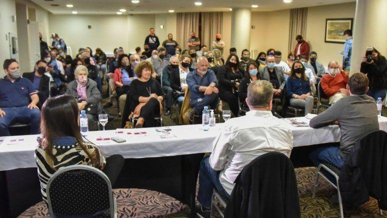 Eguía recibió en Neuquén el apoyo de dirigentes nacionales