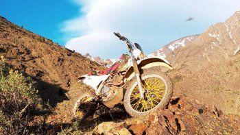un ovni sorprendio a un motociclista en el norte neuquino