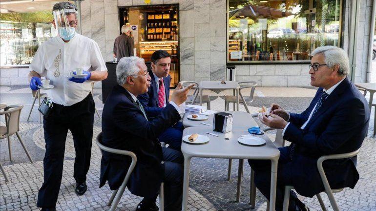 El récord de casos en Portugal enciende las alarmas tras el paso de un verano con pocos contagios.