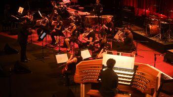 Seguí en vivo el homenaje musical a Charly García en el CCK