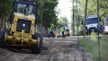 inauguran el asfalto en calle bejarano desde lastra hacia lanin