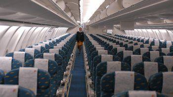TikTok: una pasajera quedó sola en un avión vacío por quedarse dormida