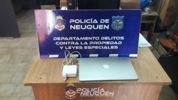 Quisieron vender una notebook robada por Facebook y los detuvieron