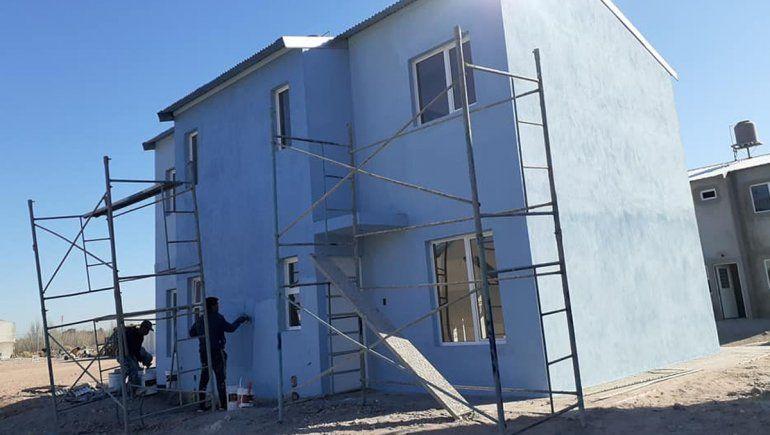 Reclaman los servicios para la entrega de 70 viviendas
