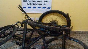 loncopue: salio con su hijo menor a robar bicicletas