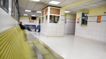 no habia camas y dos pacientes murieron en la guardia