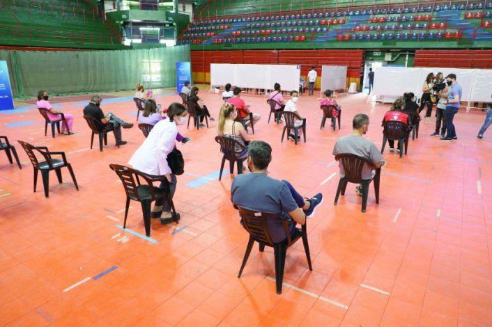 El estadio Ruca Che es una de las principales sedes de vacunación.