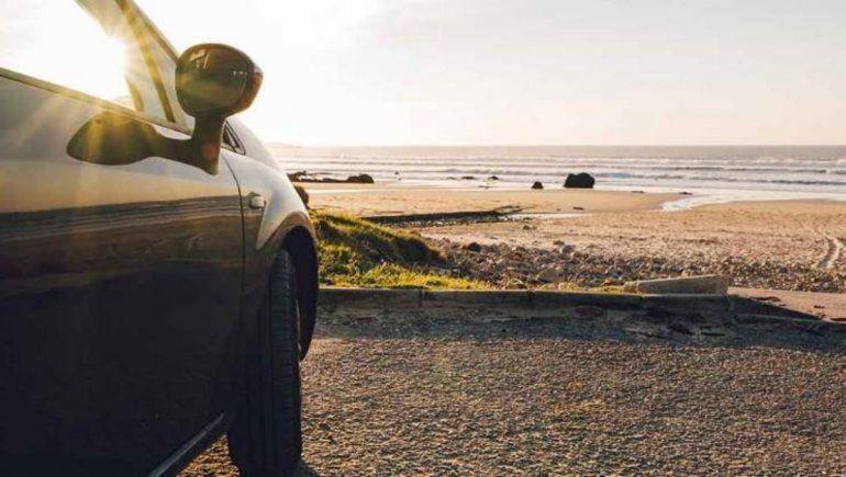 Twitter: niña de 9 años tomó el auto de sus padres para ir a la playa.   F