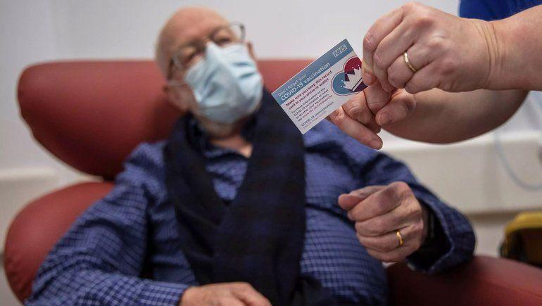 Reino Unido ya vacuna con la dosis de AstraZeneca