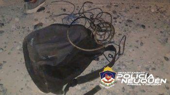 Detuvieron a tres jóvenes robando cables de luz en el oeste