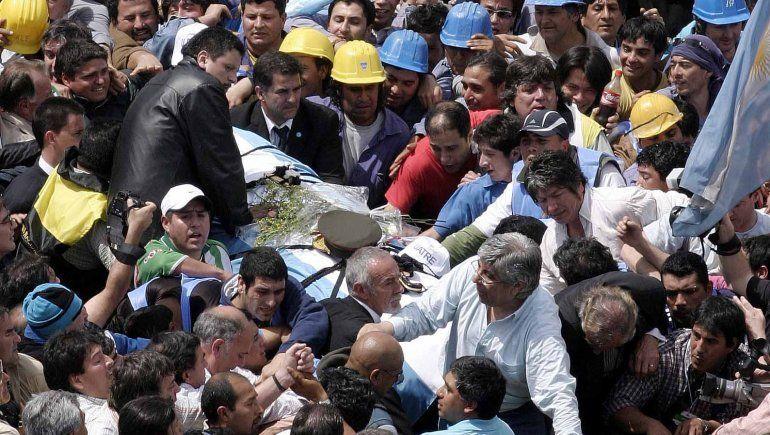 Hugo Moyano fue uno de los que encabezó el traslado del cuerpo de Perón hace 14 años.