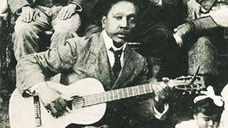 Gabino Ezeiza.