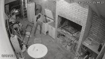 quedo grabado al robarse un chivo y un costillar de una casa
