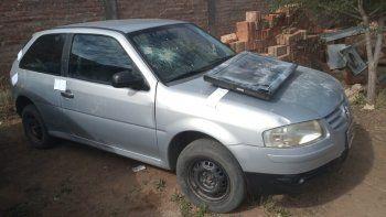 Los delincuentes circulaban a bordo de un Volkswagen Gol.