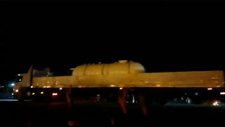 Plaza Huincul: crece la tensión y camioneros hacen un contrapiquete