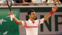 Nole Djokovic cerró mejor el juego y le dio otro golpe a Nadal en París. El domingo va por toda la gloria-