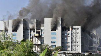 AstraZeneca: se incendió uno de los centros de producción de la vacuna