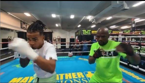 Mayweather le dio clases de boxeo al cantante Ozuna