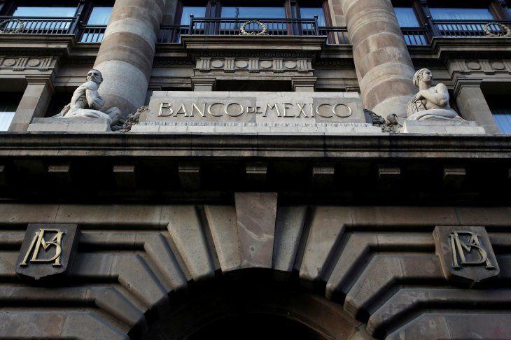 Fachada del edificio del Banco de México ubicado en el centro histórico de Ciudad de México. Imagen de Archivo. 28 de febrero de 2019. REUTERS/Daniel Becerril/File Photo