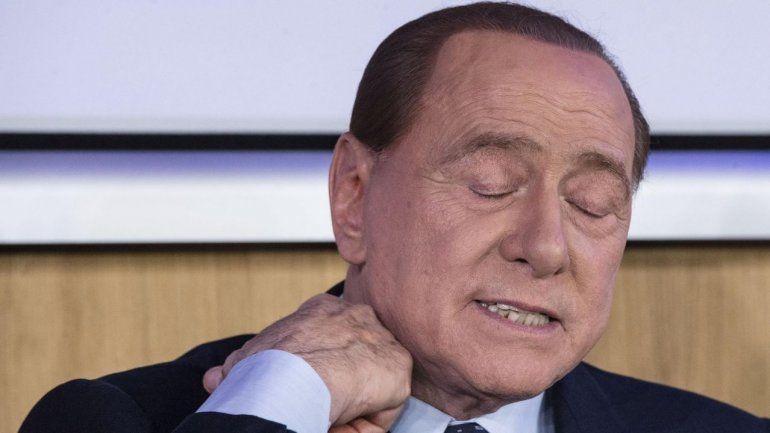 Coronavirus: Berlusconi está internado y su novia, contagiada