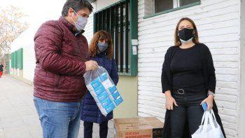 La Muni entregó 40 oxímetros al hospital Bouquet Roldán