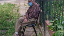 abuelo con sintomas de covid no recibio asistencia y sus vecinos le salvaron la vida